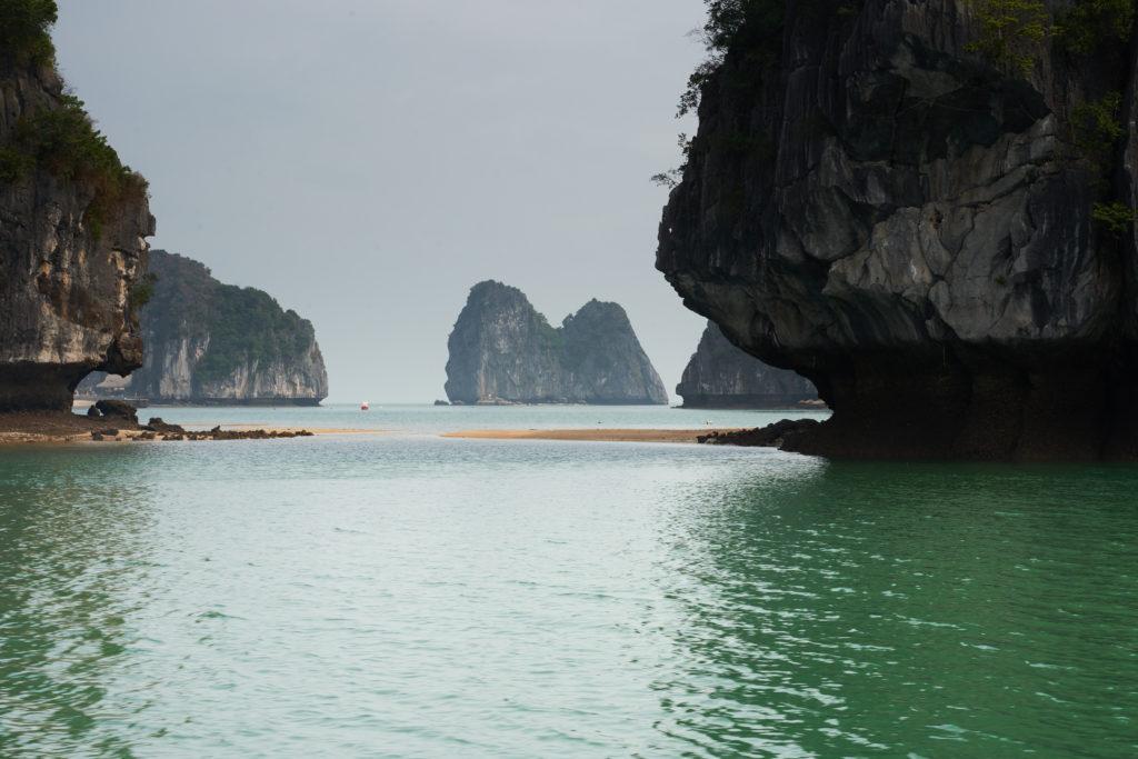 Sandbanks and islets sprawling Ha Long Bay